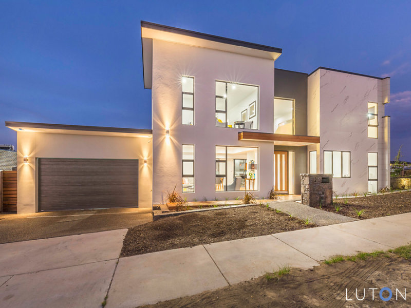 2 Stan Davey Rise, Coombs, ACT 2611