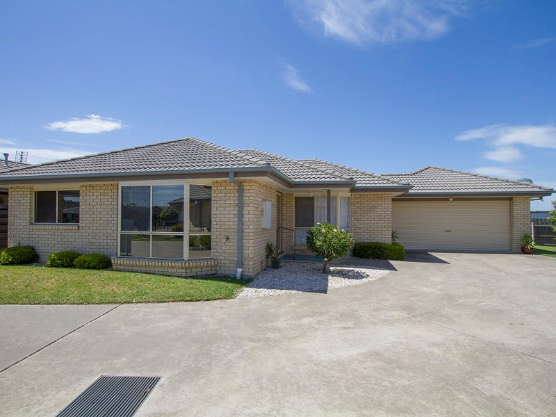 3/16-20 Roadknight Street, Lakes Entrance, Vic 3909