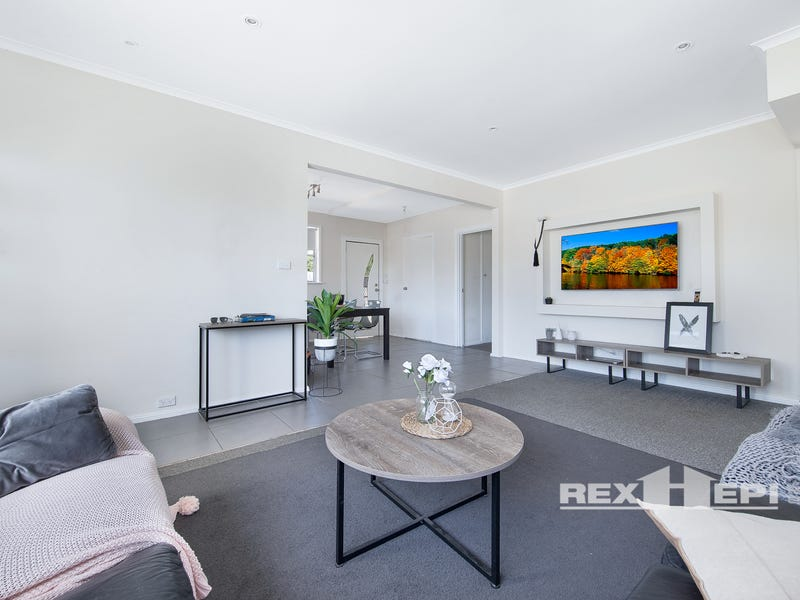 Unit 1/12 Conferta Crescent, Doveton, Vic 3177