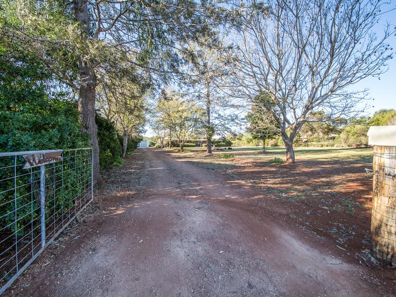 8 Macaulay Drive, Kingaroy, Qld 4610
