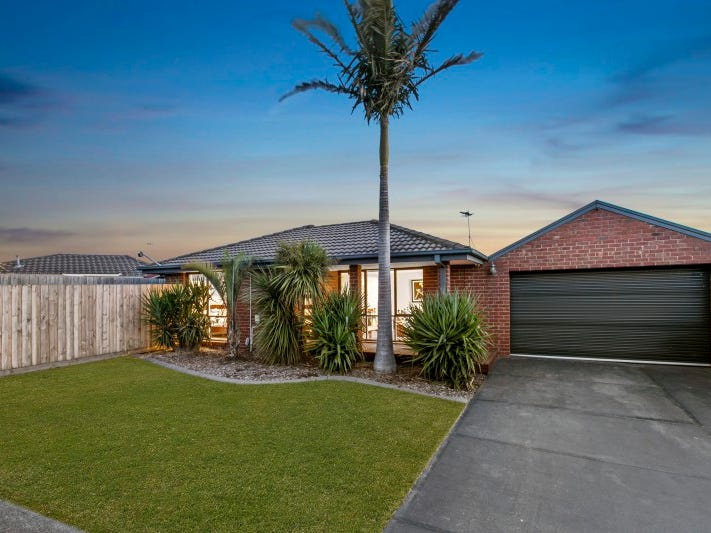 33 Caroline Crescent, Cranbourne West, Vic 3977