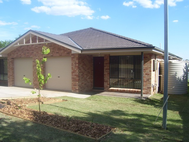 27a Wentworth Street, Parkes, NSW 2870