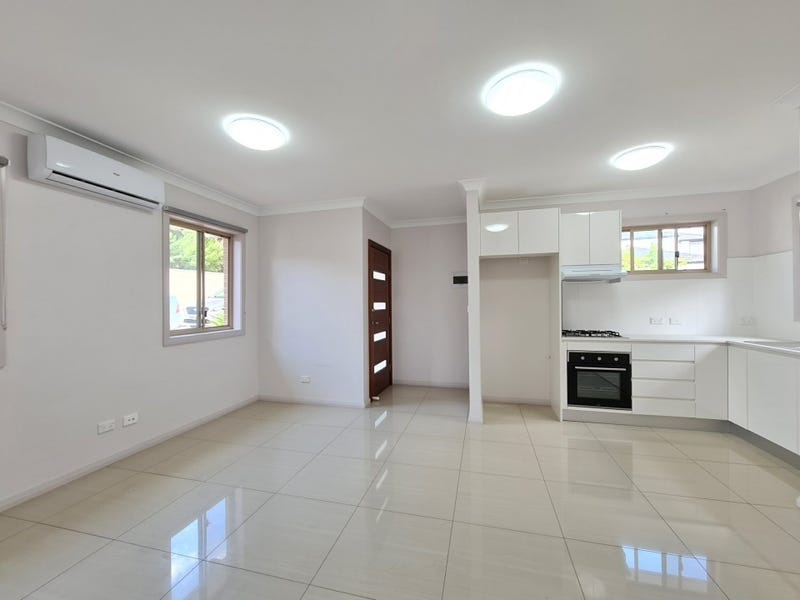 3a Bardia Place, Bossley Park, NSW 2176