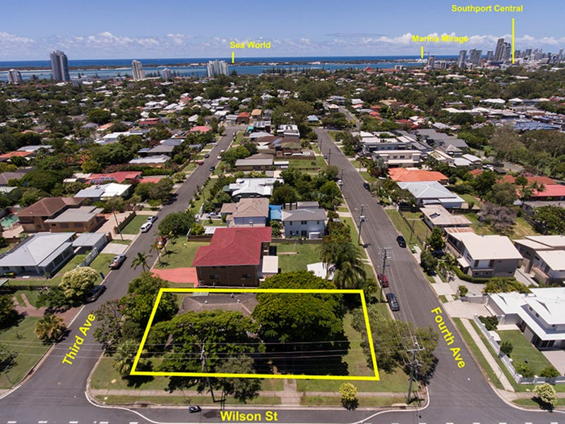 20 Third Avenue, Labrador, Qld 4215