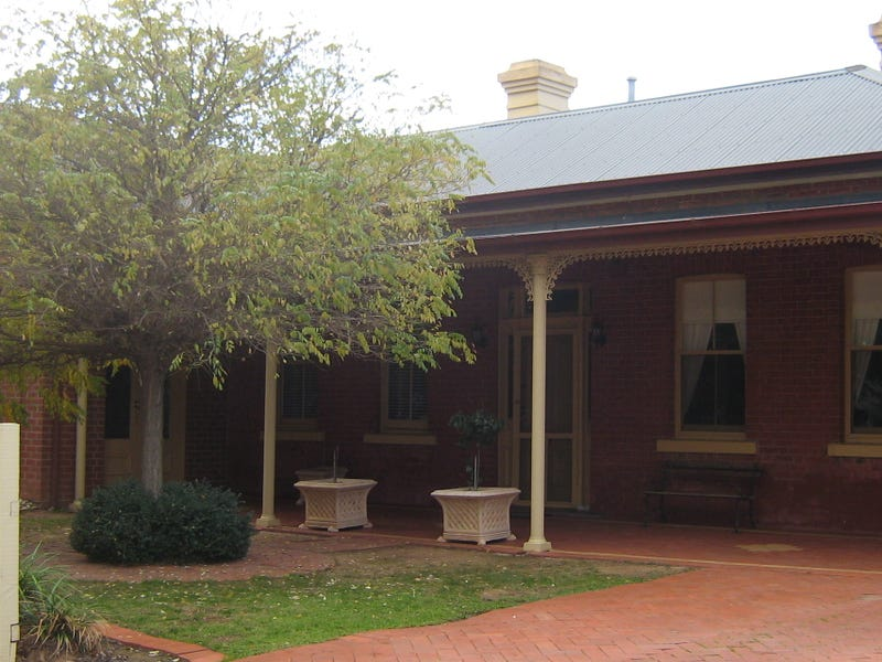 19 Moore Street, Rochester, Vic 3561