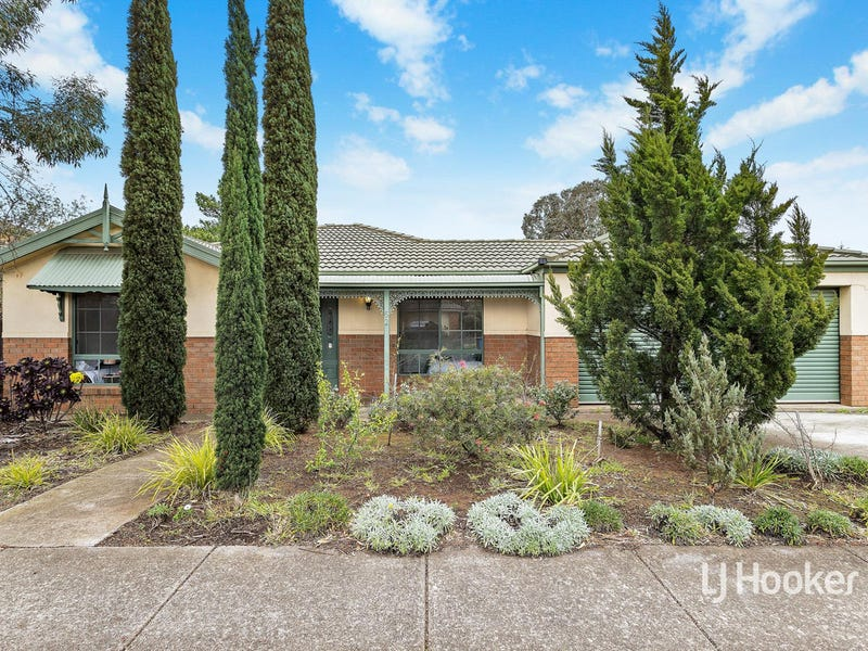 52 The Strand, Point Cook, Vic 3030