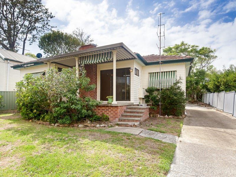 6 Lake Road, Fennell Bay, NSW 2283