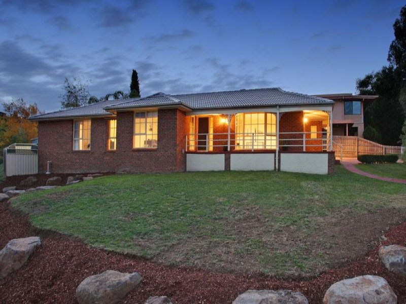 61 Landscape Drive, Mooroolbark, Vic 3138