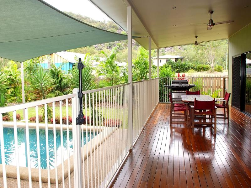 21 Apjohn Street, Horseshoe Bay, Qld 4819