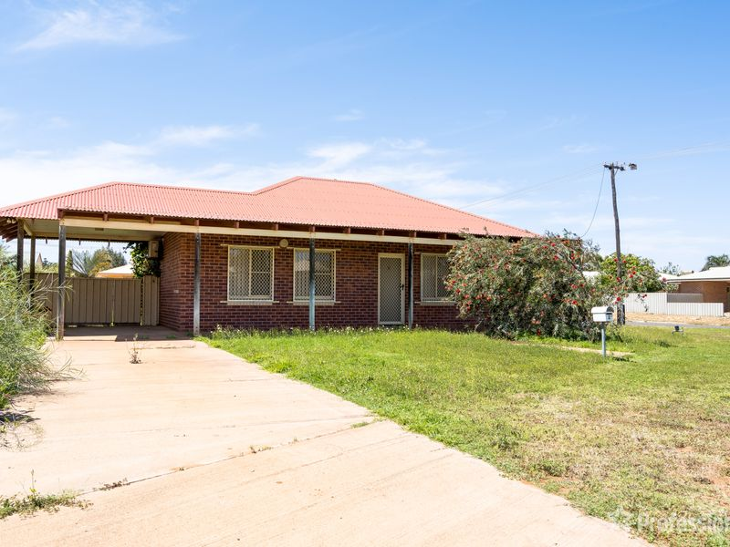 2 Skinner Court, Brockman, WA 6701