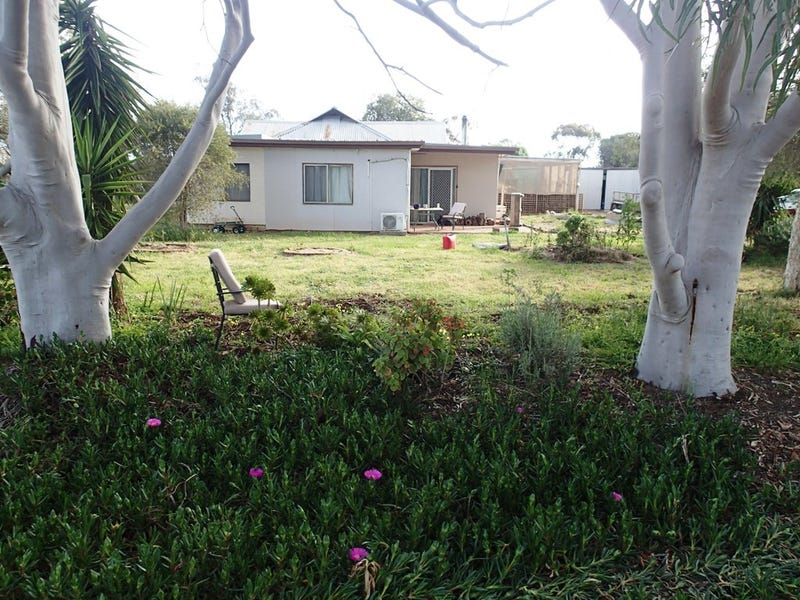 1 Kirkham Street, Lowesdale, NSW 2646
