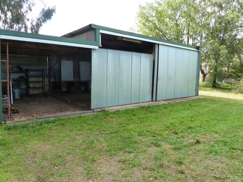 4 Orange Street, Manildra, NSW 2865