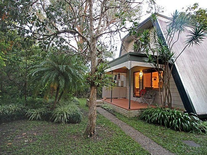128 Yandina Coolum Road, Coolum Beach, Qld 4573