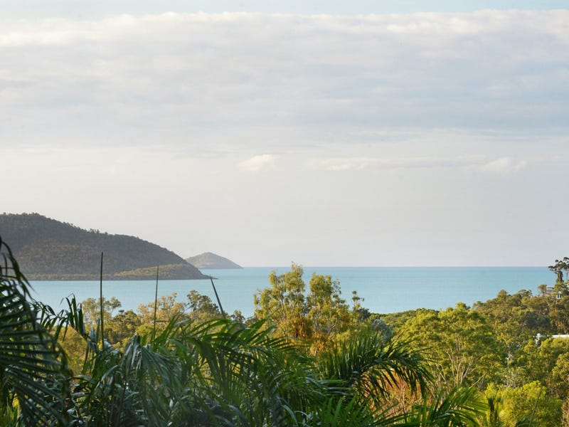 7 Country Road, Cannonvale