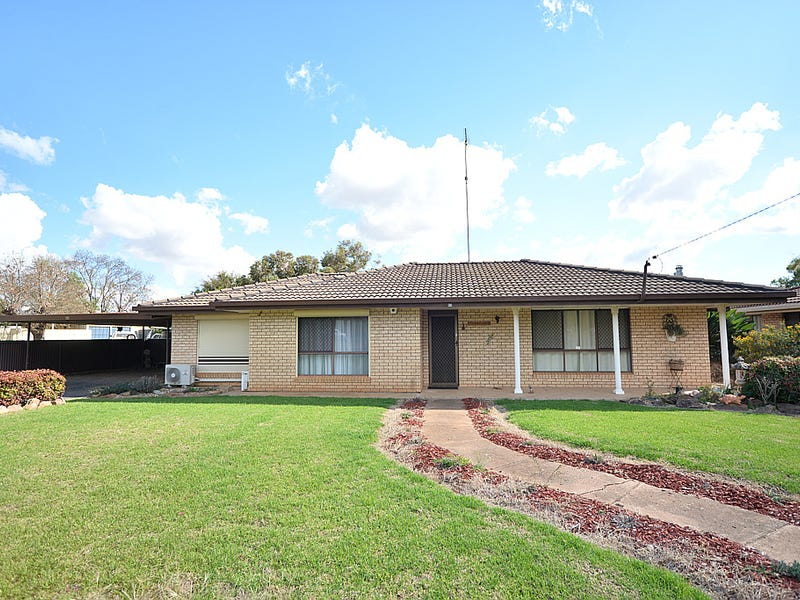 64 Forbes Road, Parkes, NSW 2870