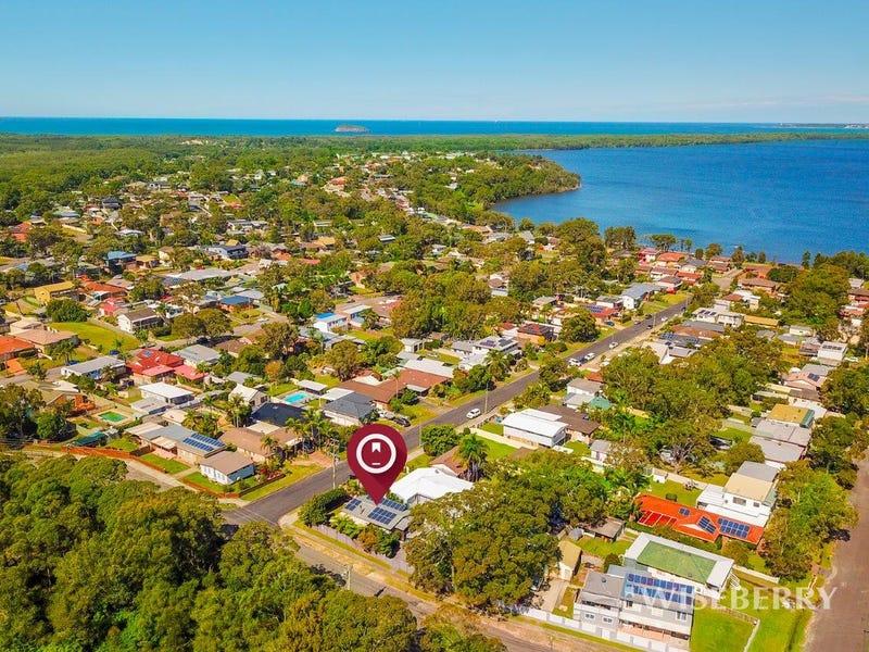 42 Agatha Avenue, Lake Munmorah, NSW 2259