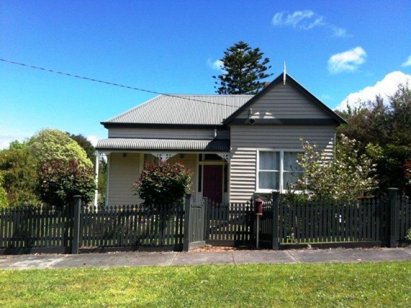 8 Dutton Street, Toora, Vic 3962