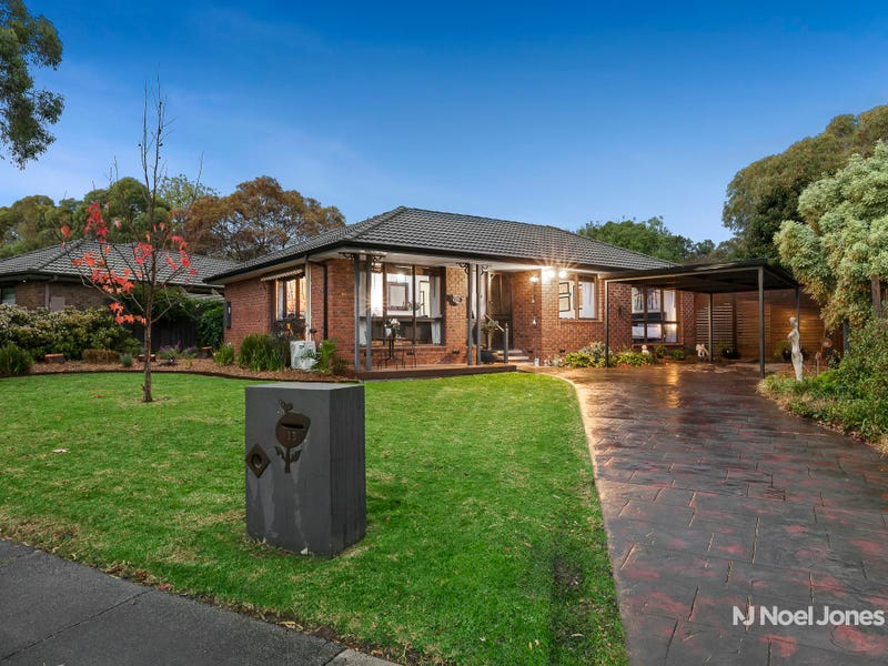 13 Edgewood Court, Wantirna South, Vic 3152