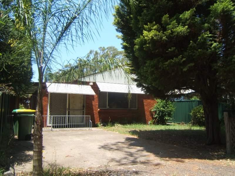 32 Wentworth Ave, Woy Woy, NSW 2256