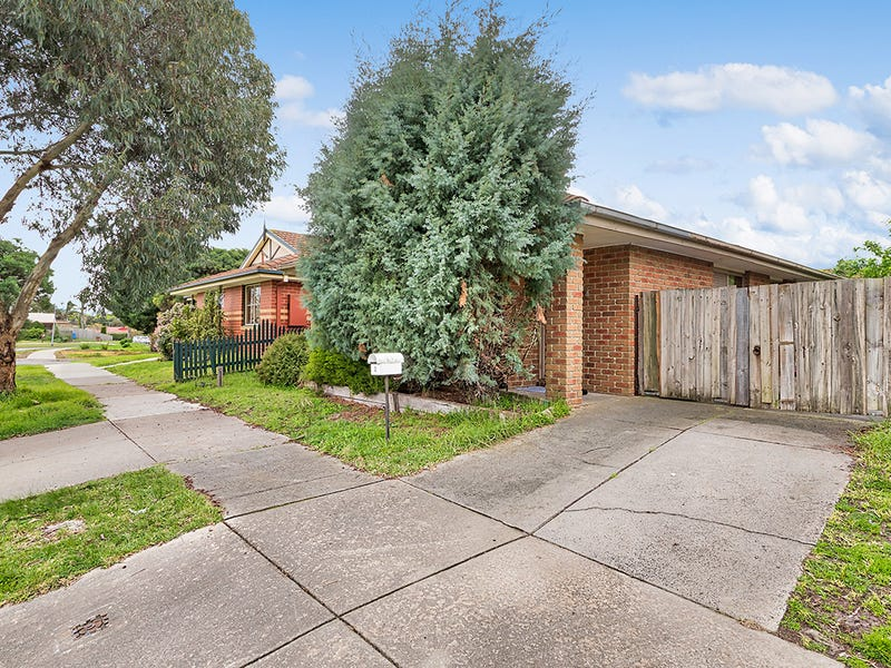 2 Jacinta Drive, Cranbourne West, Vic 3977
