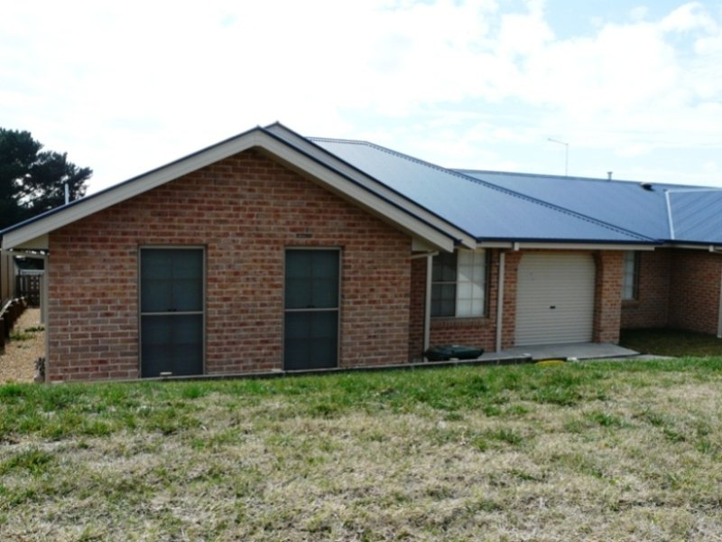 11C Dees Close, Bathurst, NSW 2795