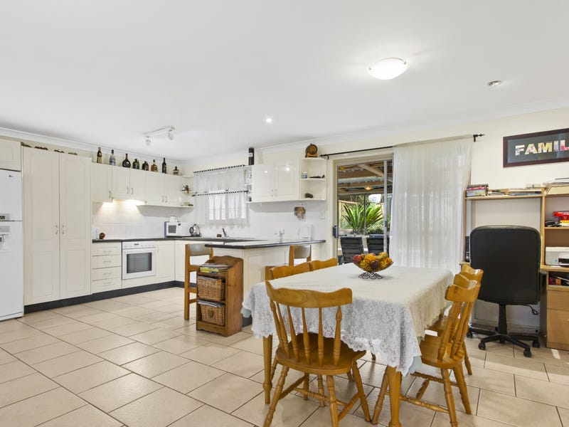 19 Pengana Crescent, Mollymook, NSW 2539