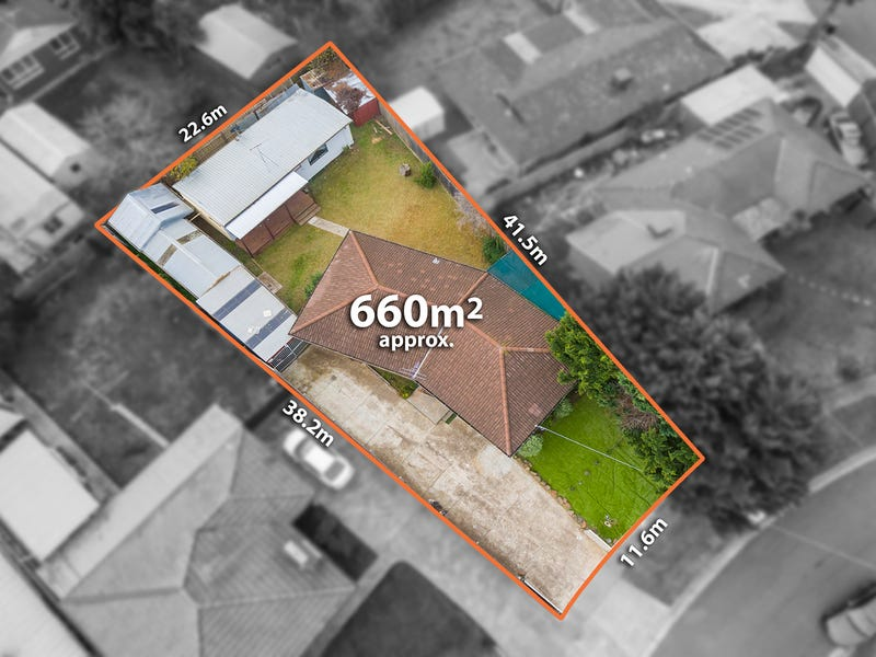 32 curlew close, Melton, Vic 3337