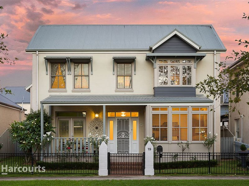 19 Broughton Avenue, Tullimbar, NSW 2527