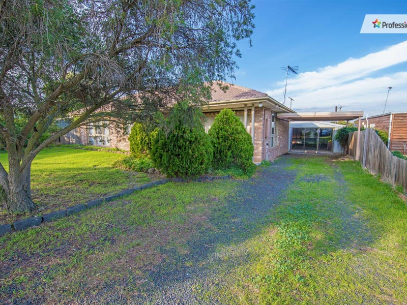 2 Hare Court, Darley, Vic 3340