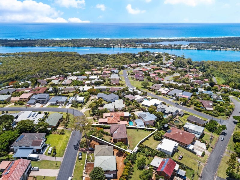 40 Walter Crescent, Banora Point, NSW 2486