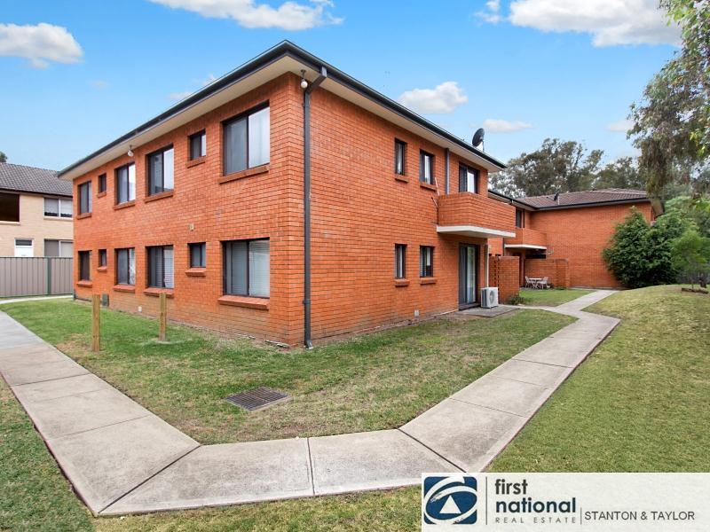 4/8 DENT Street, Jamisontown, NSW 2750