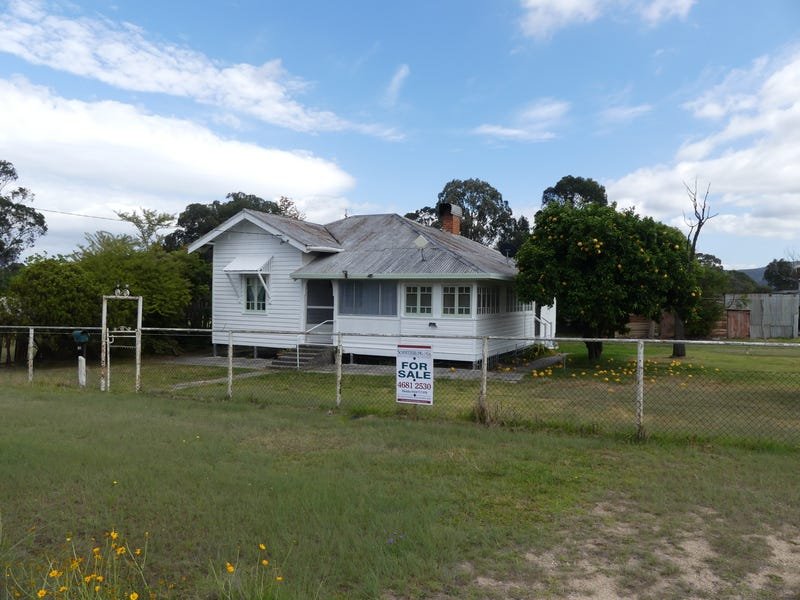 24 Border St, Wallangarra, Qld 4383