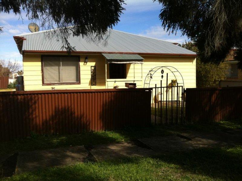 12 Inverell St, Delungra, NSW 2403