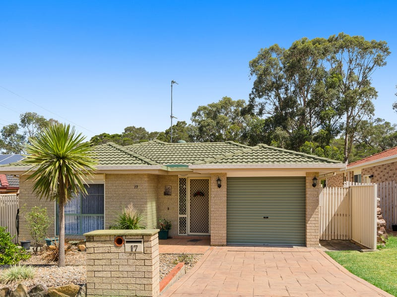 17 Selwyn Gr, Horsley, NSW 2530