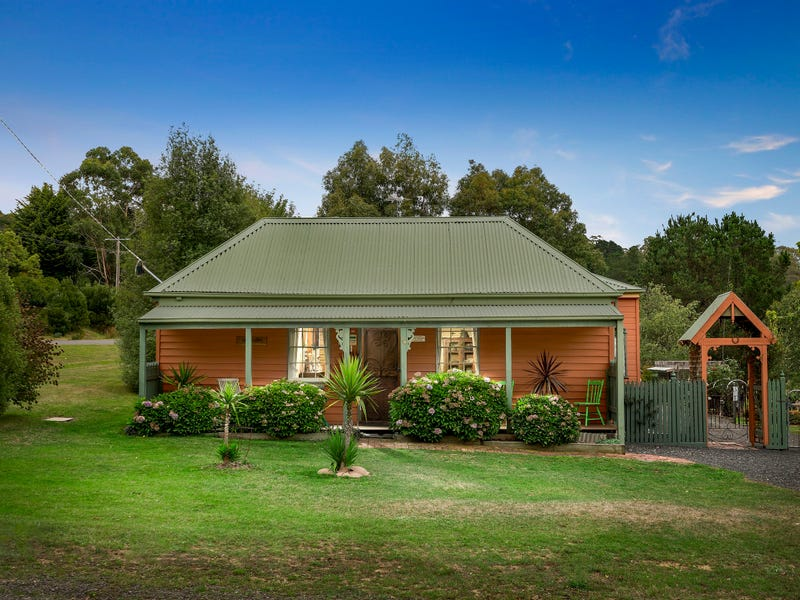 14 Victoria Street, Blackwood, Vic 3458