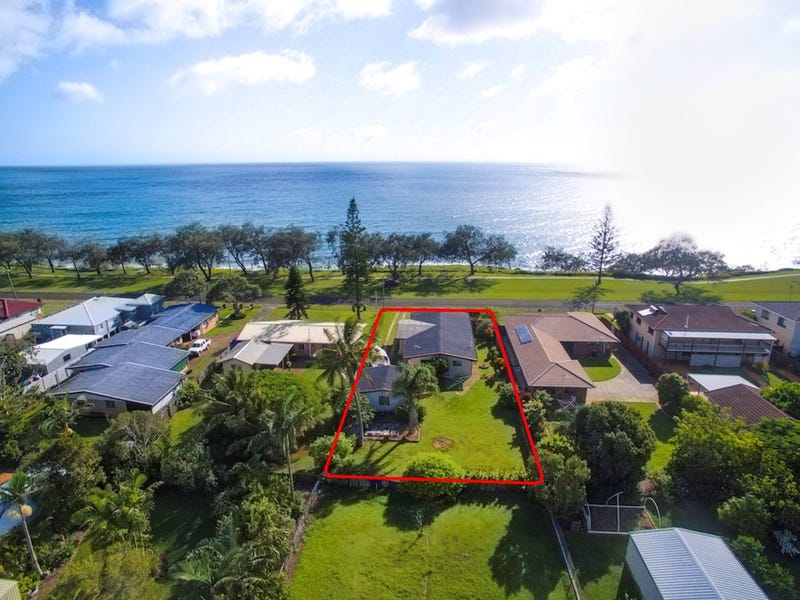 30 Esplanade, Elliott Heads, Qld 4670