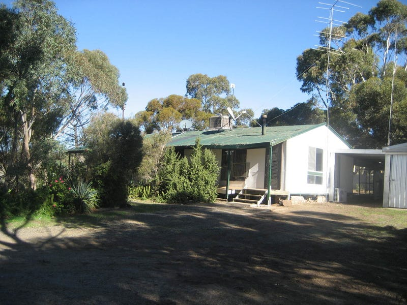 335 Stockroute Road, Point Pass