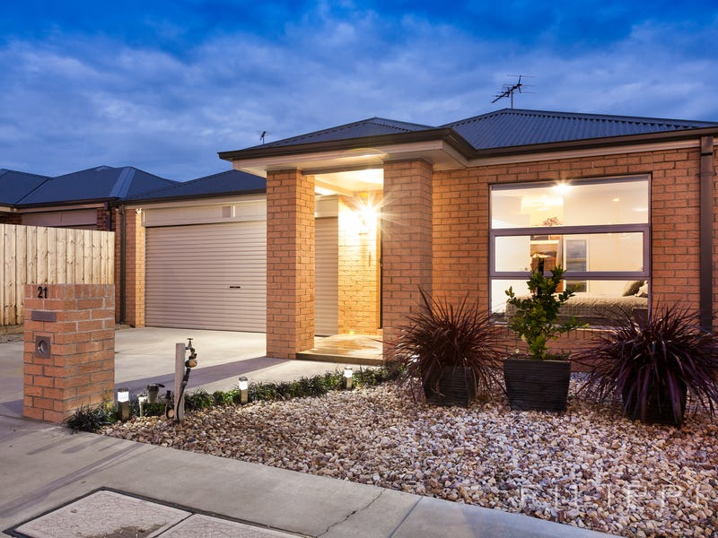 21 Orpington Crescent, Marshall, Vic 3216