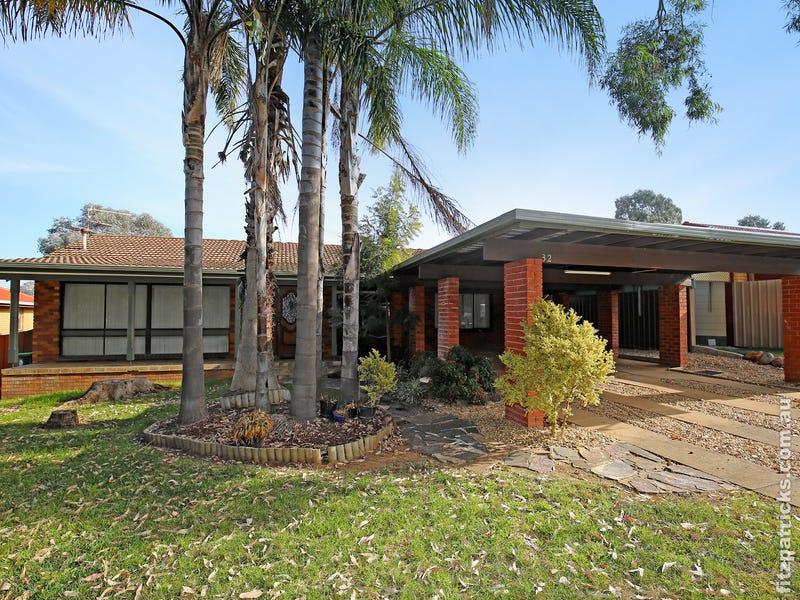 32 Fairbairn Crescent, Kooringal, NSW 2650
