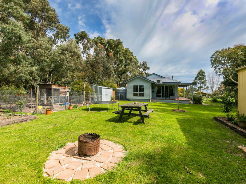 37 Aurel Road, Deans Marsh, Vic 3235