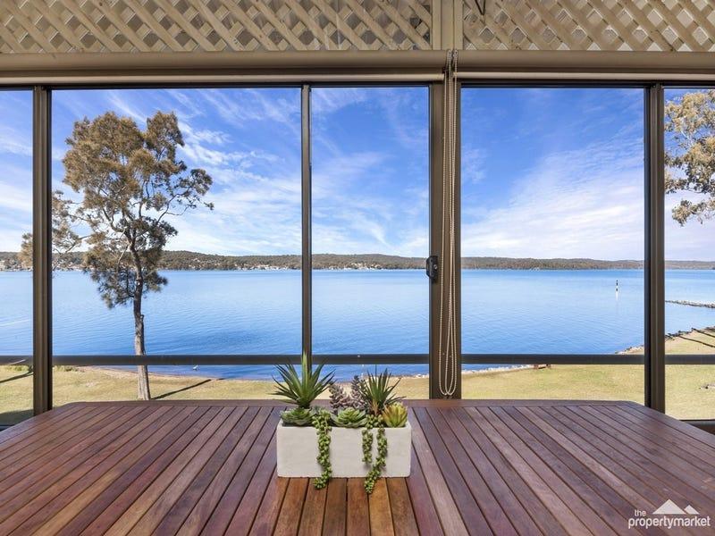 12 Noamunga Crescent, Gwandalan, NSW 2259