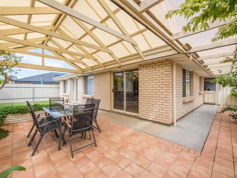 8 Mountain Ash Court, Hackham, SA 5163