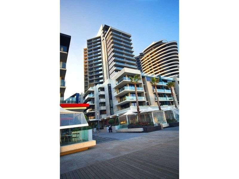 1805/20 Rakaia Way, Docklands, Vic 3008