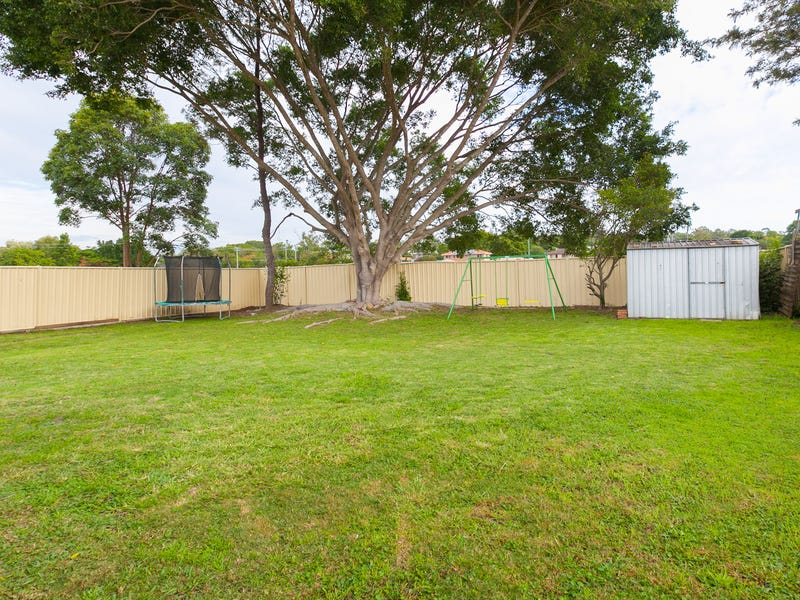 17 Knight Street, Redbank Plains, Qld 4301