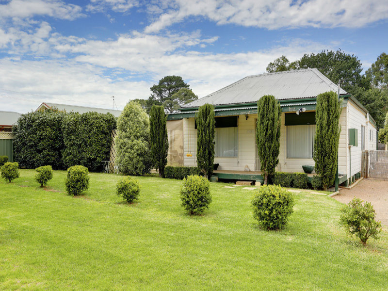 16 Railway Parade, Medway, NSW 2577