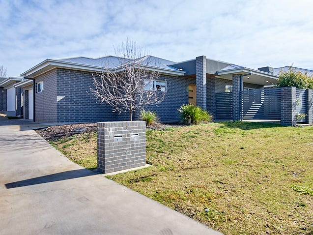 1/7 Rose Place, Boorooma, NSW 2650