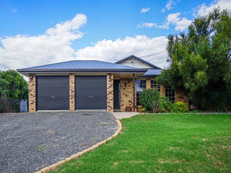 15 Gulligal Street, Kingsthorpe, Qld 4400
