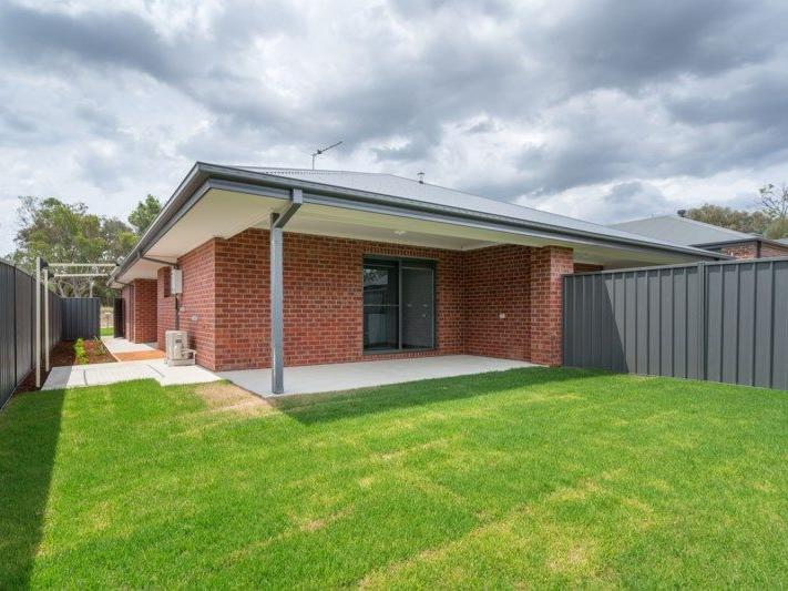16-16A Weissel Court, Thurgoona, NSW 2640