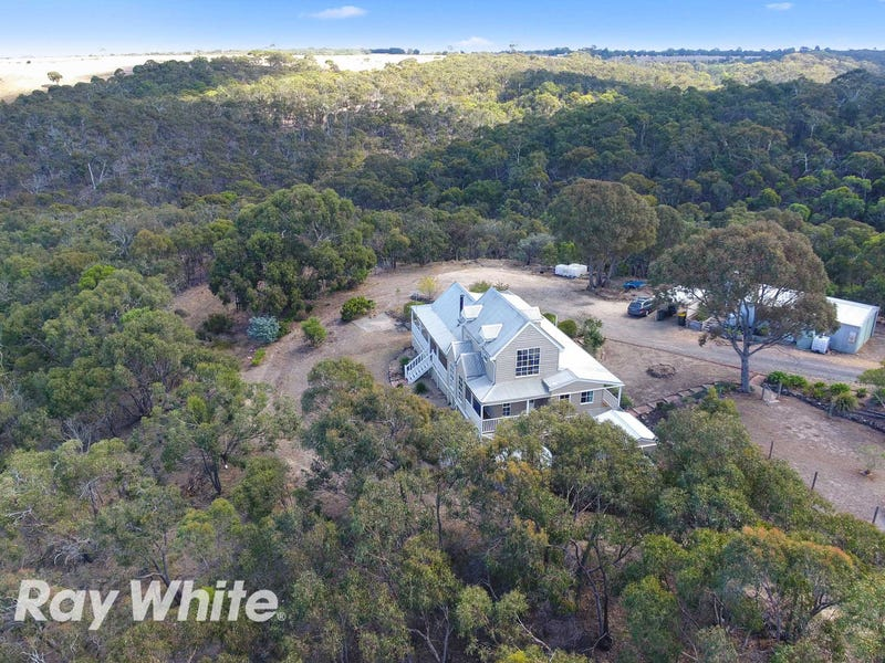 195 De Motts Road, Anakie, Vic 3213