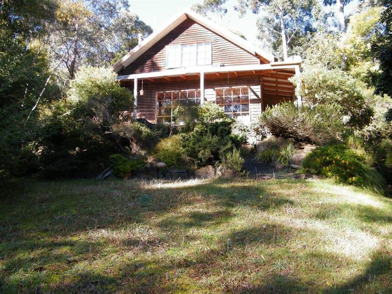 25 Blackleather Creek Road, Hoddles Creek, Vic 3139